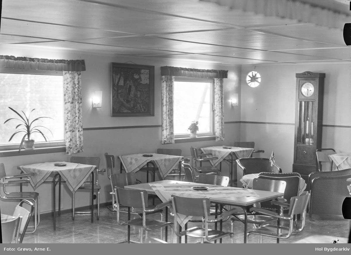 Pensjonat, Bakkegard, Interiør, spisesal, turistbedrift, bord,