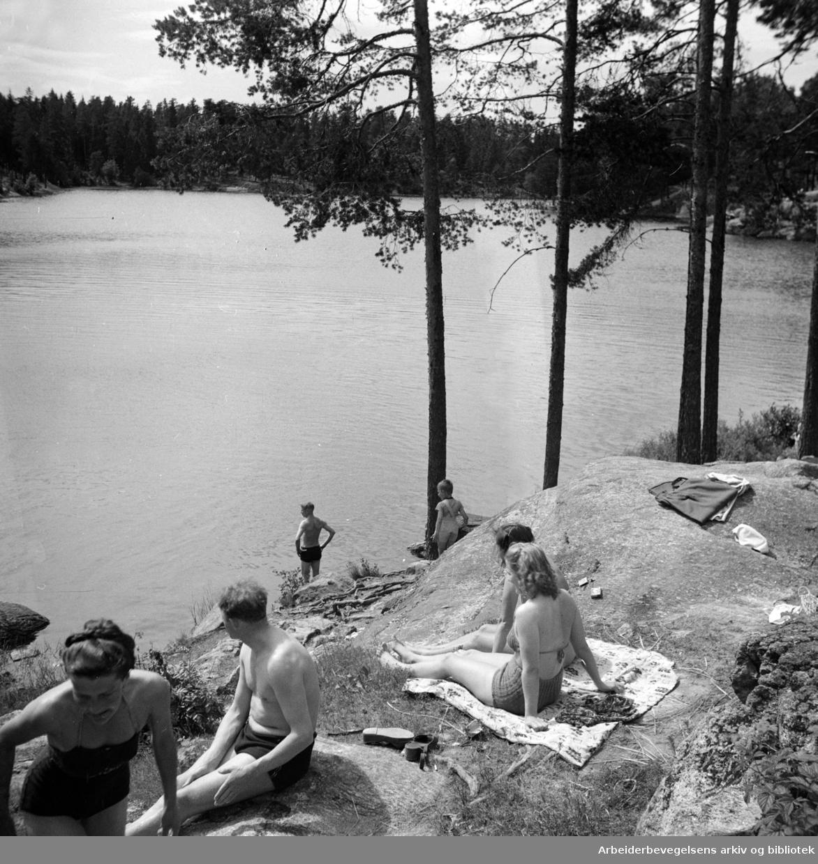 Østmarka, Ulsrudvannet. Badeliv. Juni 1949