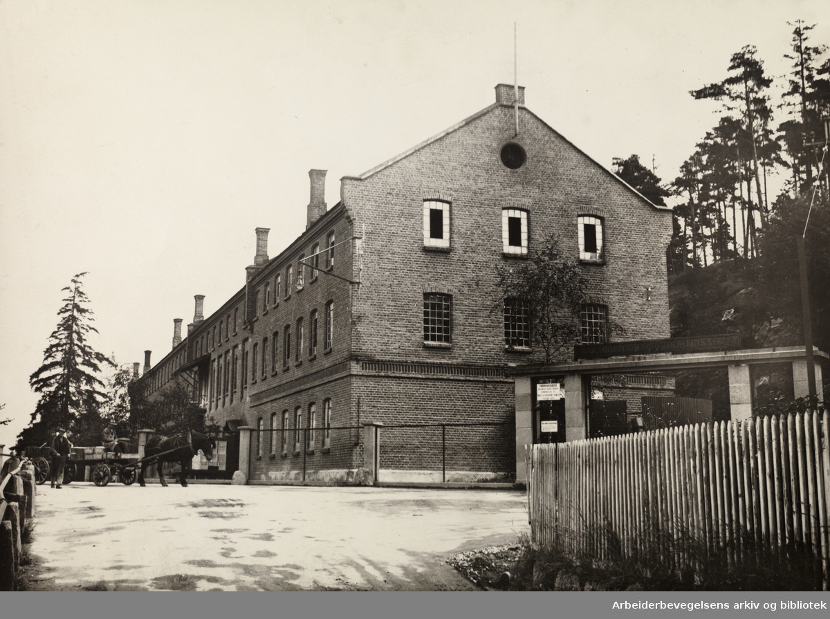 Bryn Tendstikkfabrikk. 1938