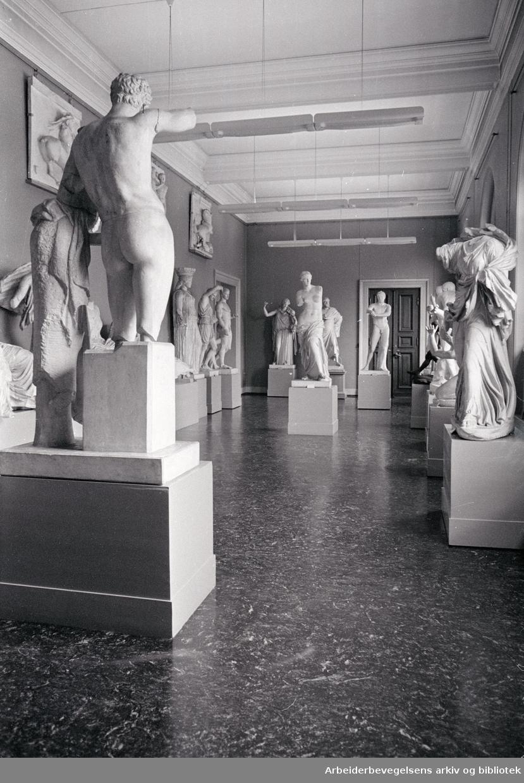Nasjonalgalleriet. Skulpturer. August 1966