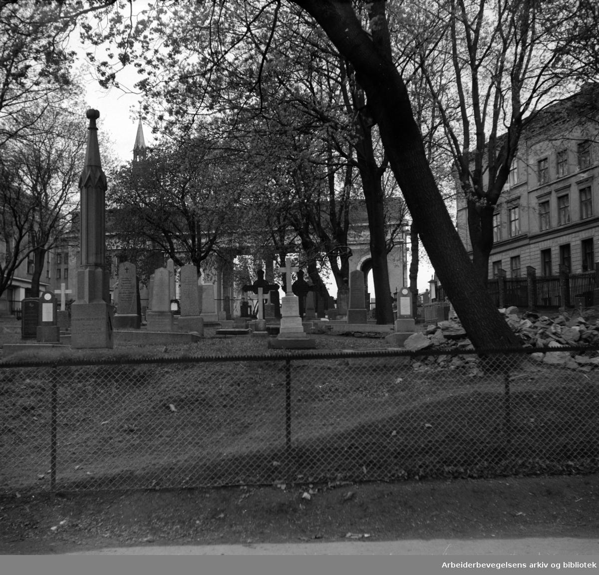 Krist Kirkegård. Mai 1952
