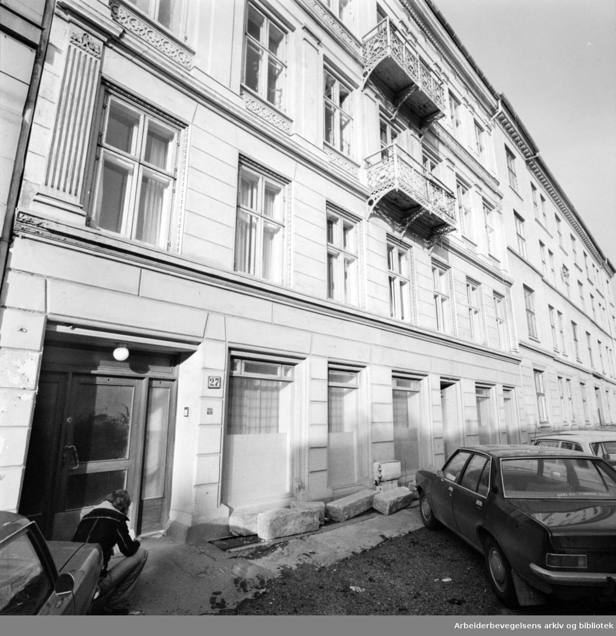 Holbergs gate. 11 leiligheter står tomme i Holbergs gate 27. November 1975