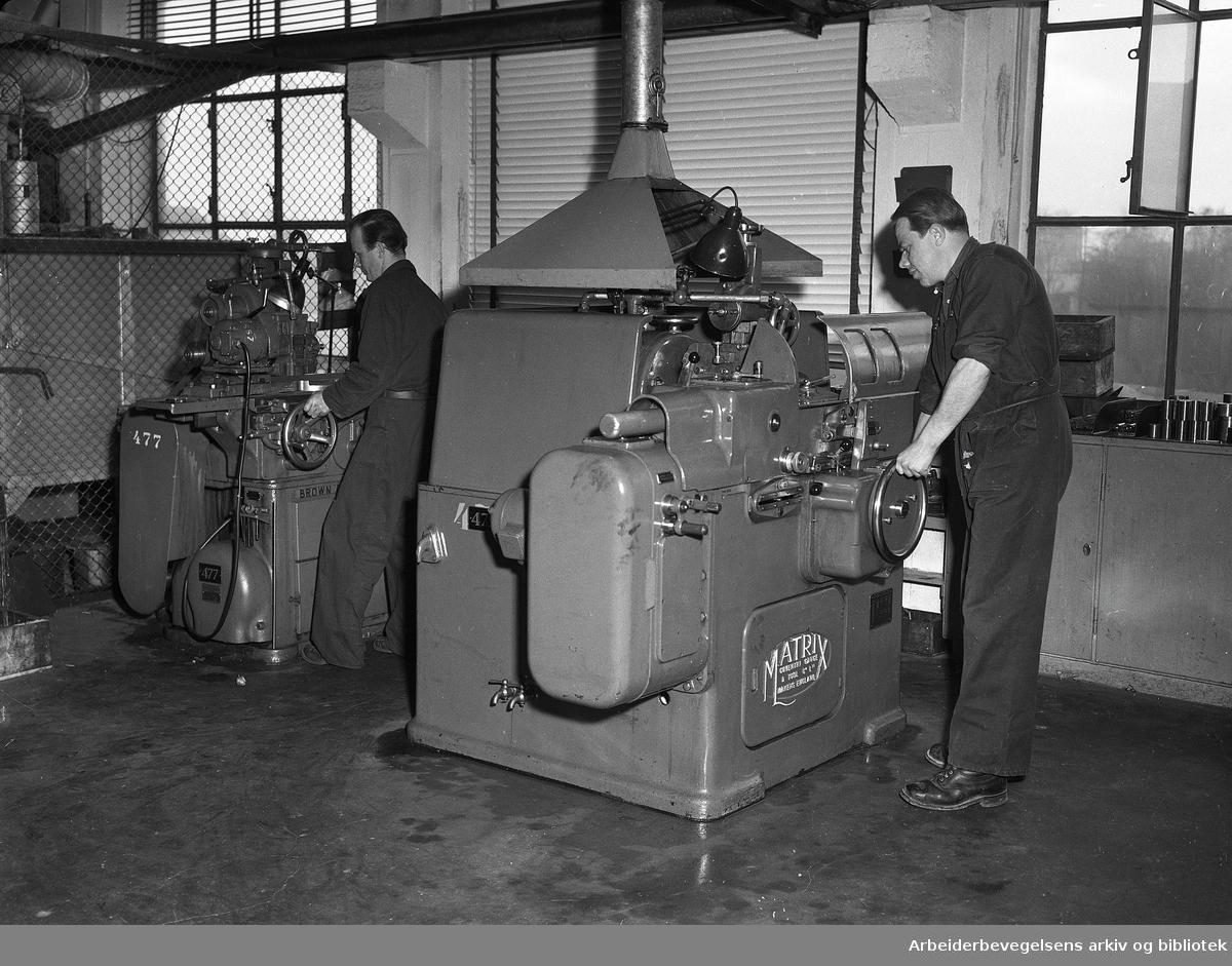 Forenede Skrue og Naglefabrikker i Nydalen, mai 1951.