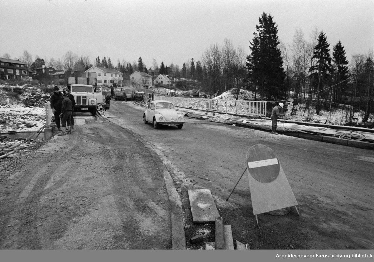 Grini Brua. Desember 1974