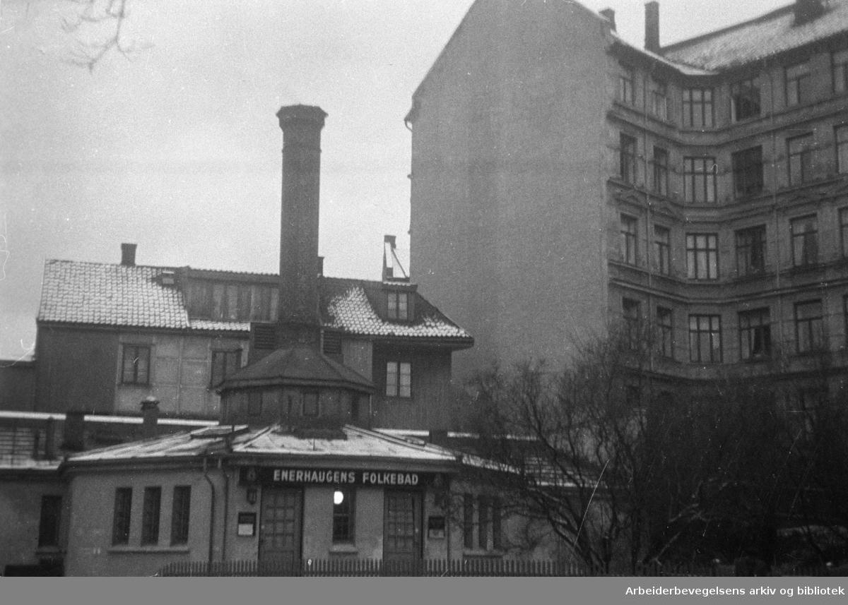 Enerhaugen. Enerhaugen Bad. Eksteriør. Desember 1946