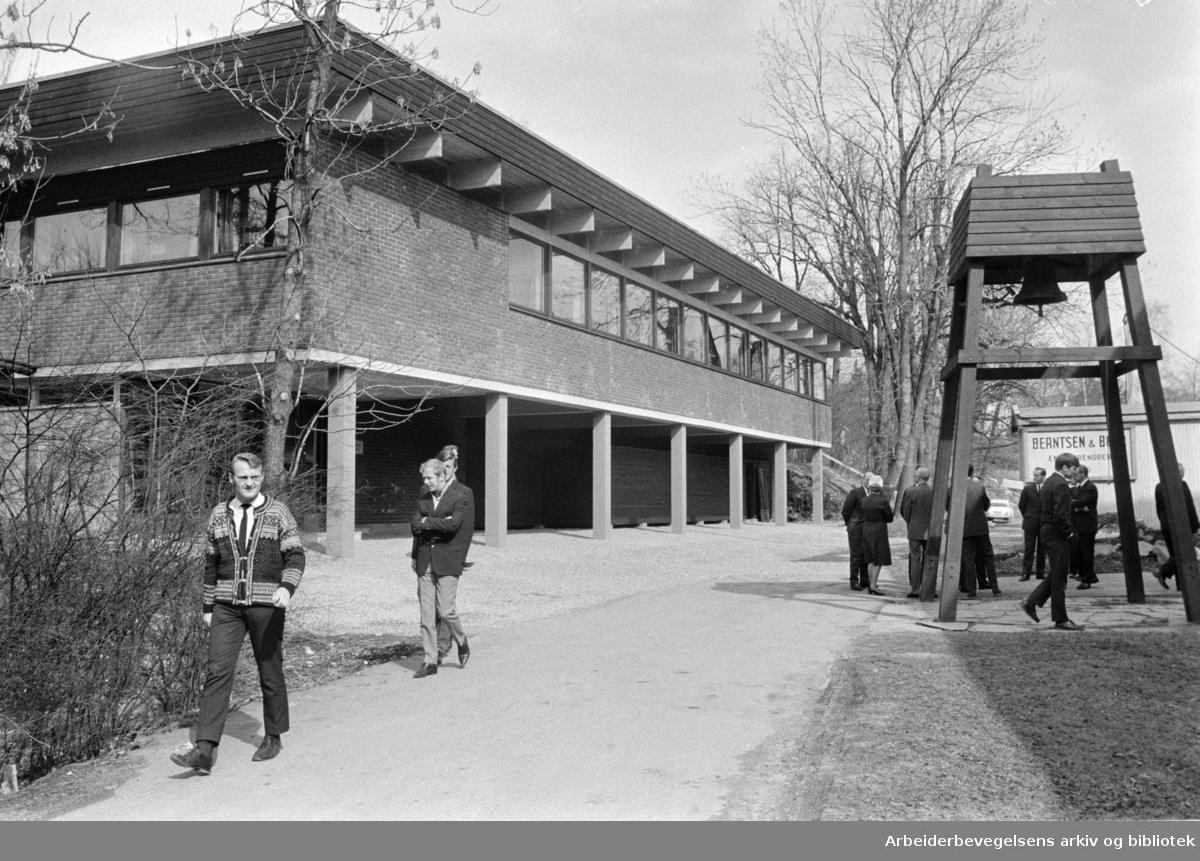 Det Norske Diakonhjemmet. Nytt skolebygg. April 1970