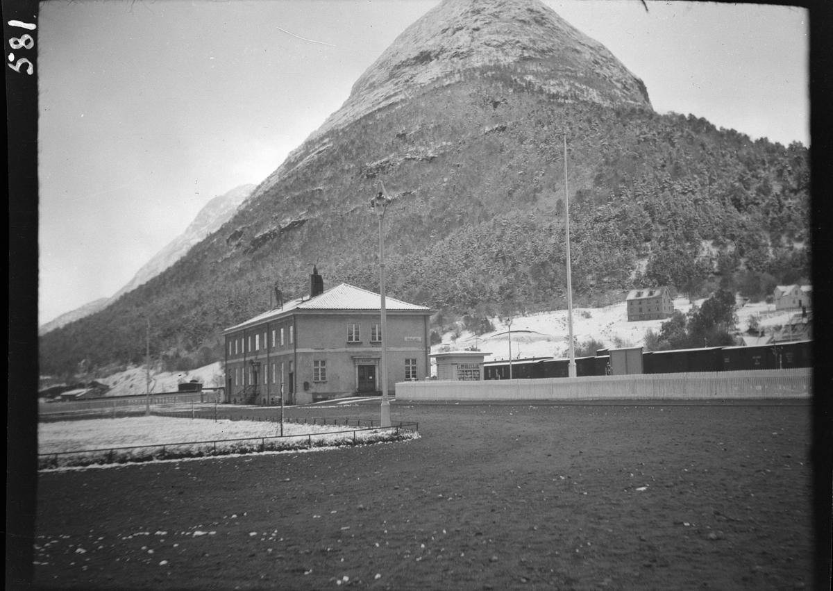 Åndalsnes jernbanestasjon, vinter,