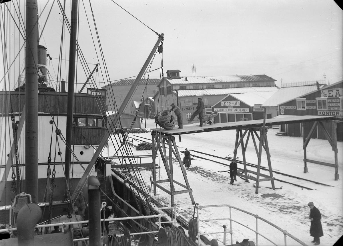Lossing av skip til E.A. Smith på Brattøra