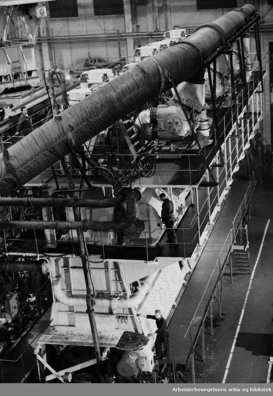 Akers mek. verksted. Dieselmotor. Oktober 1959