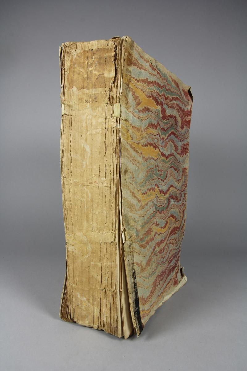 """Bok, häftad """"Le grand dictionnaire géographique et critique"""" del 5:1, K-L. Pärmar av marmorerat papper, blekt och skadad rygg. Oskuret snitt."""