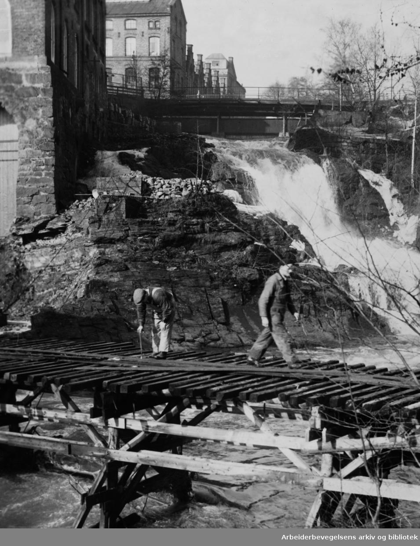 Akerselva ved Beierbrua. April 1951