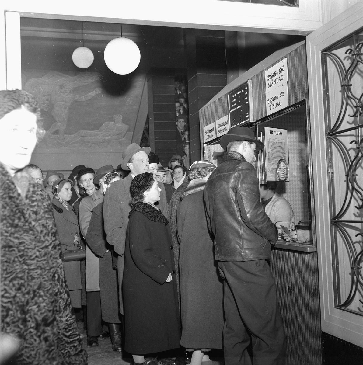 Kön vid Nyårsrevyn. December 1956.