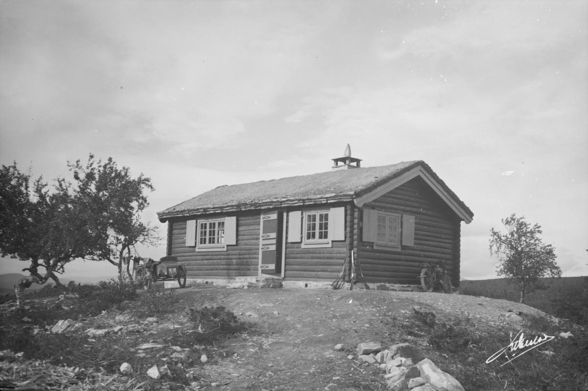 Ringebu. Evensens hytte i Øksendalen.