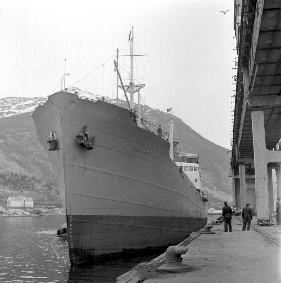 M/S Karesuando. Luossavaara-Kiirunavaara Aktiebolag, LKAB:s anläggning, malmkajen i Narvik
