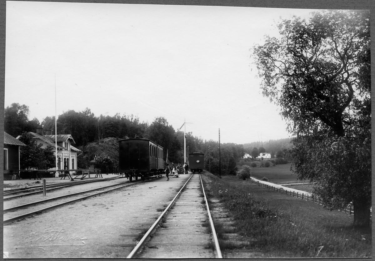 Öfverums bangård år 1902.