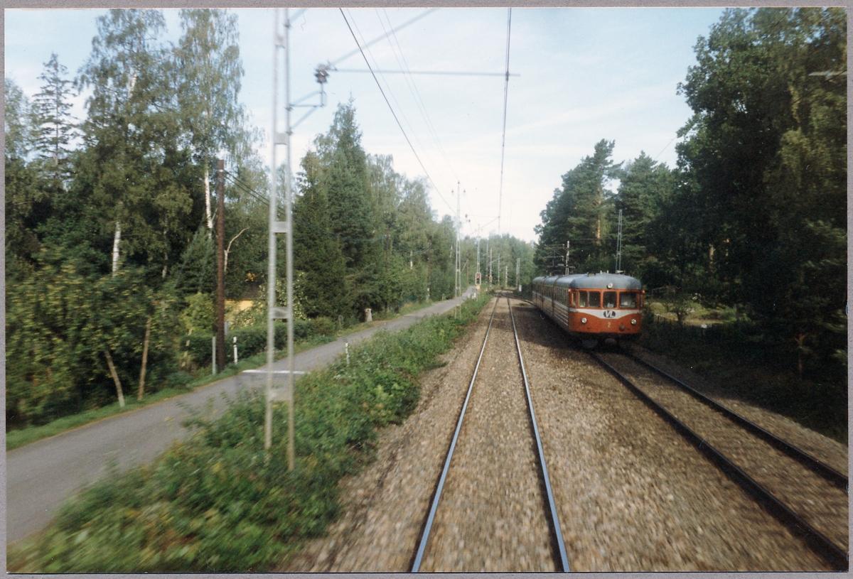 Västmanlands Lokaltrafik, VL elmotorvagn 2 på linjen mellan Hallsberg och Gävle.