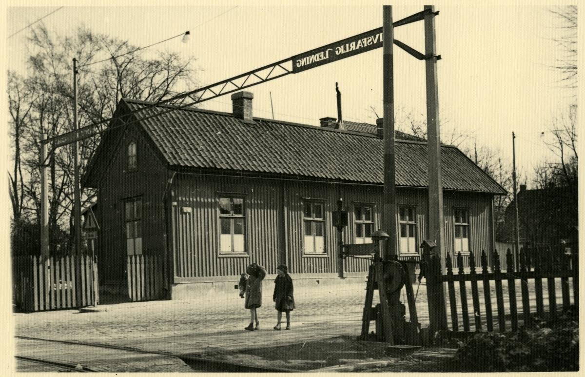 Storgatan 30 i Örebro. Köping - Hult banans (KHJ) första järnvägsstation.