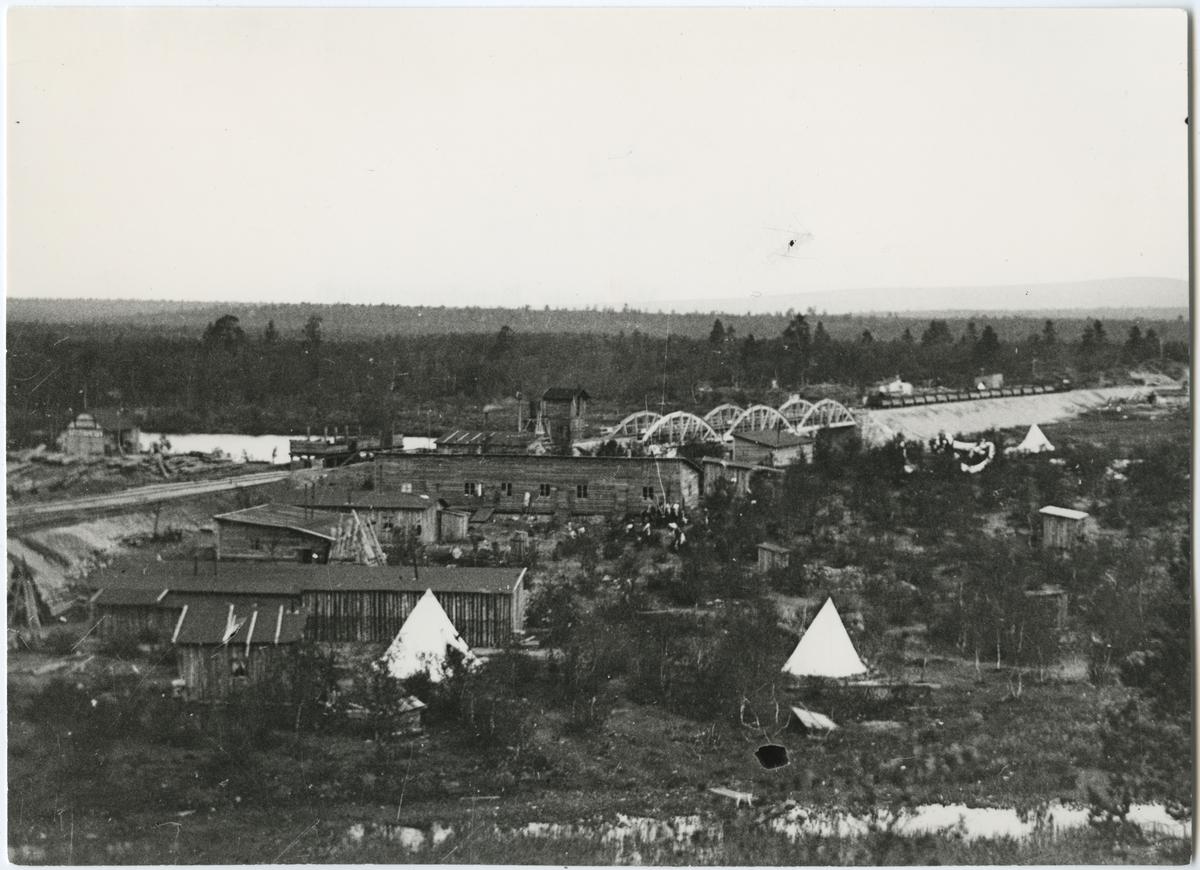 Rallare staden i Kajtum vid Riksgränsbanan