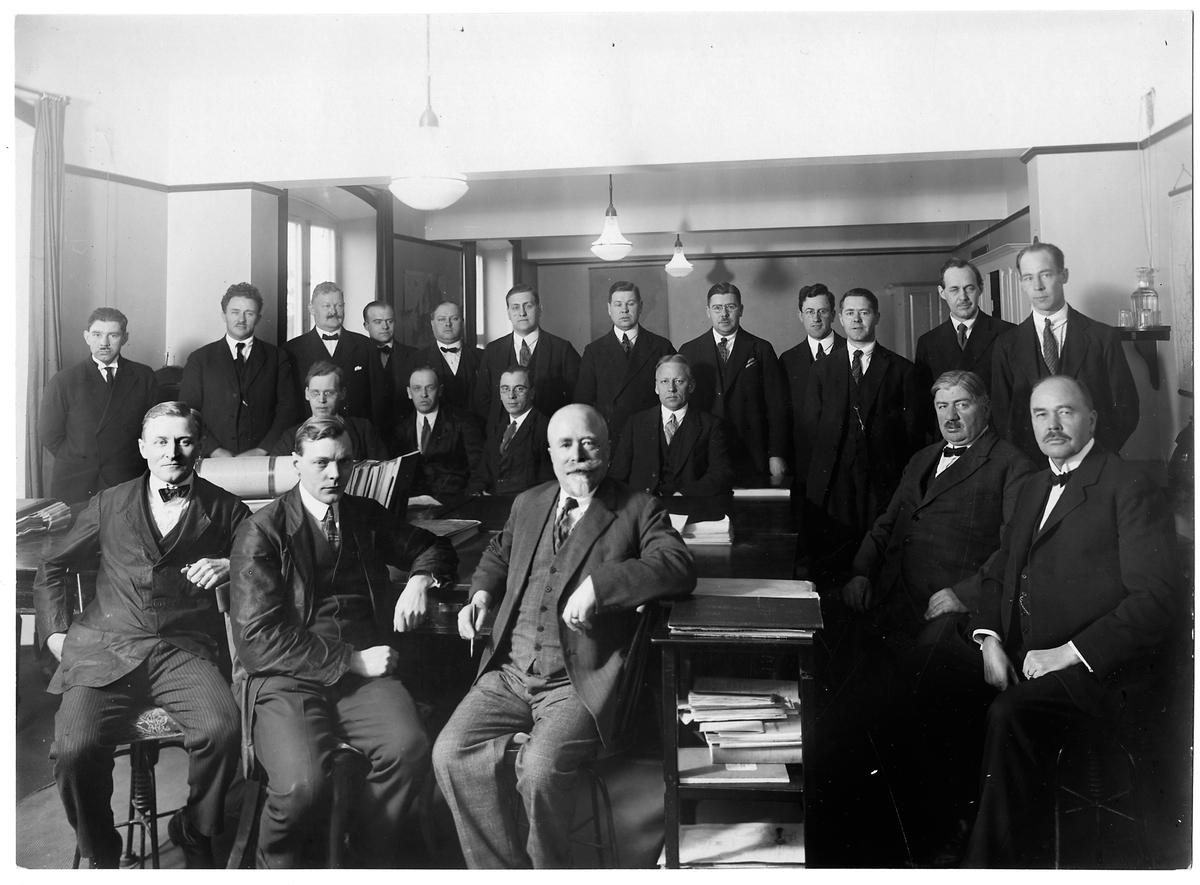 Personalen på kontrollkontoret, avdelningen för godssamtrafik vid Tomteboda station.