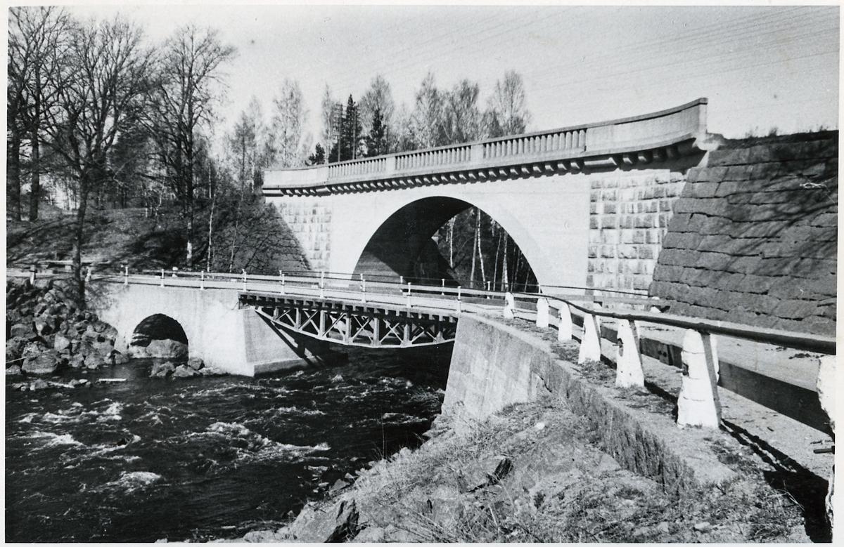 Broar över Vattendrag.