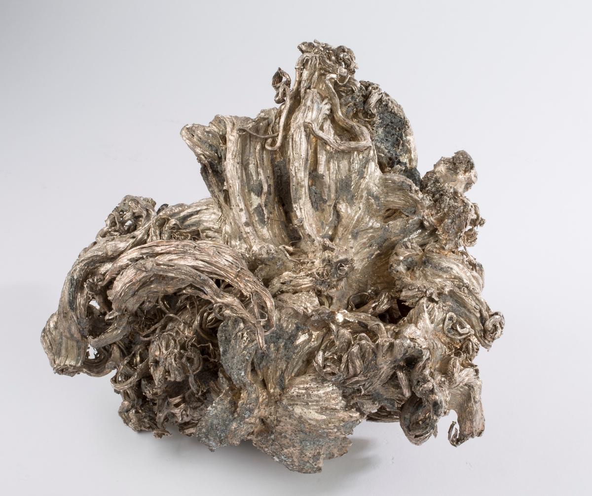 Vekt 11 487 g Etikett i tråd: 11 487 g og 1 Fra Mildigkeit Gottes gruve, 1947