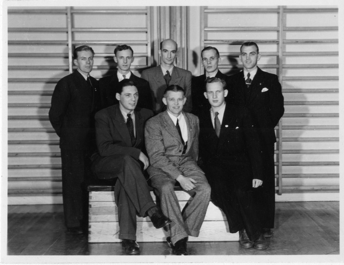 Styrelsen för Gerdskens bollklubb. Stående från vänster: Harry Bengtsson, Erik Carlsson, Folke Schoultz, Allan Johansson och Sune Johansson. Sittande från vänster: Bert Abrahamsson, Nils Zehlin och Kurt Larsson.
