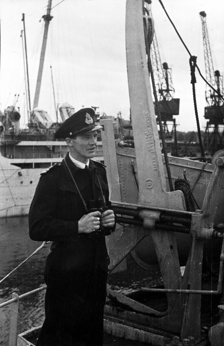 SSH-44 Løytnant Flånes, væpningsoffiser på 'Bergensfjord'