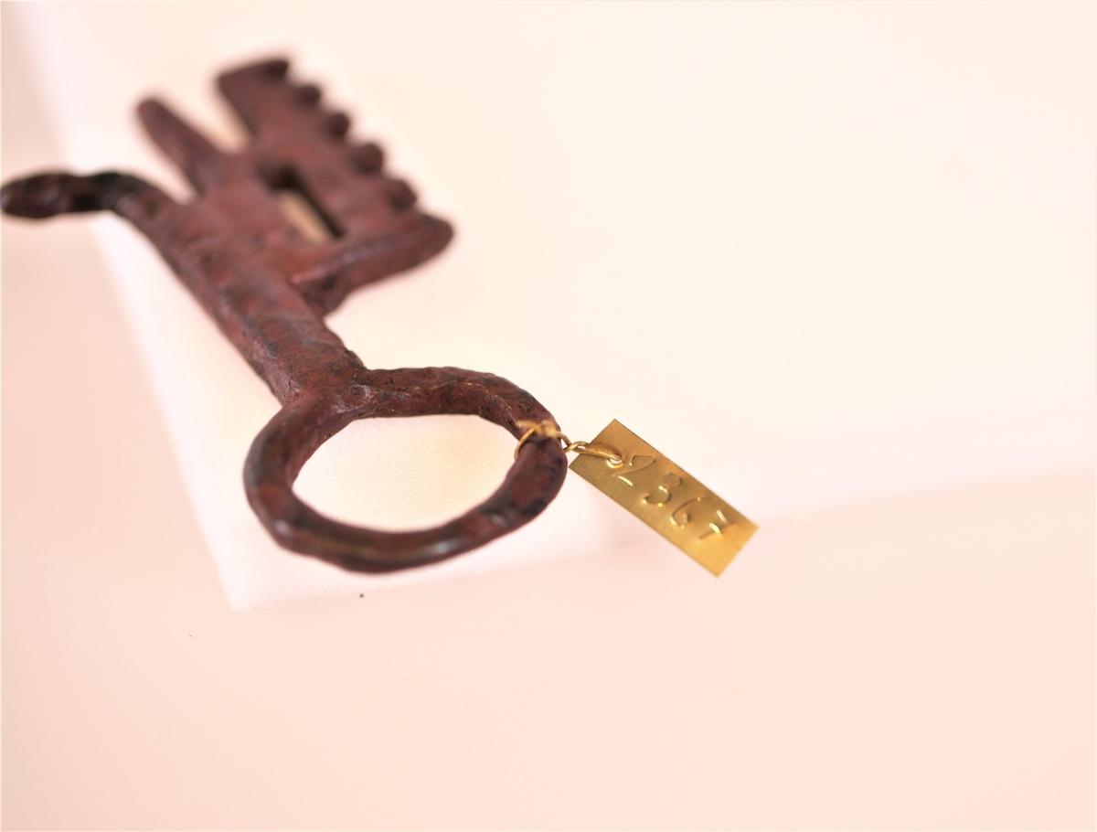 Nøkkel av jern fra ukjent funnsted.