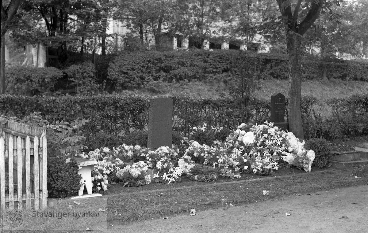 Graven til Kaptein Birkeland (Hjelmelandsgata 23)