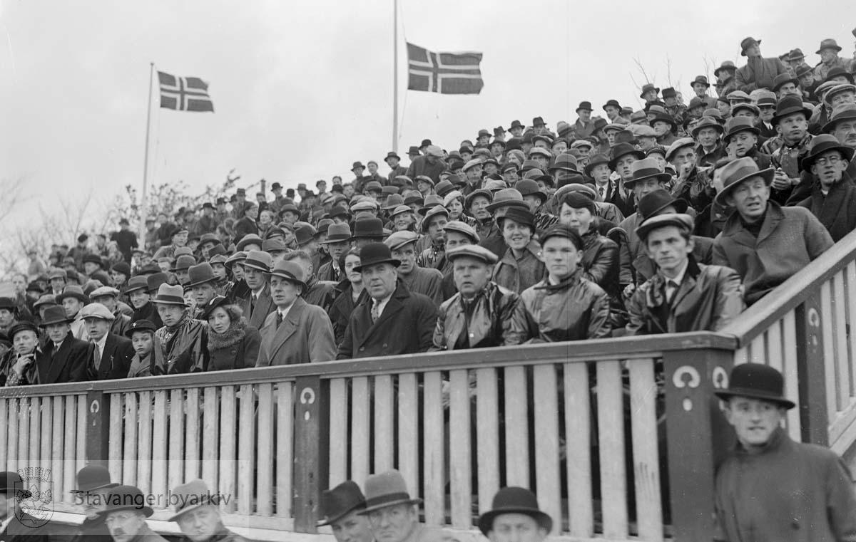 Stavanger Stadion. Viking - Stål Jørpeland .Fotball.