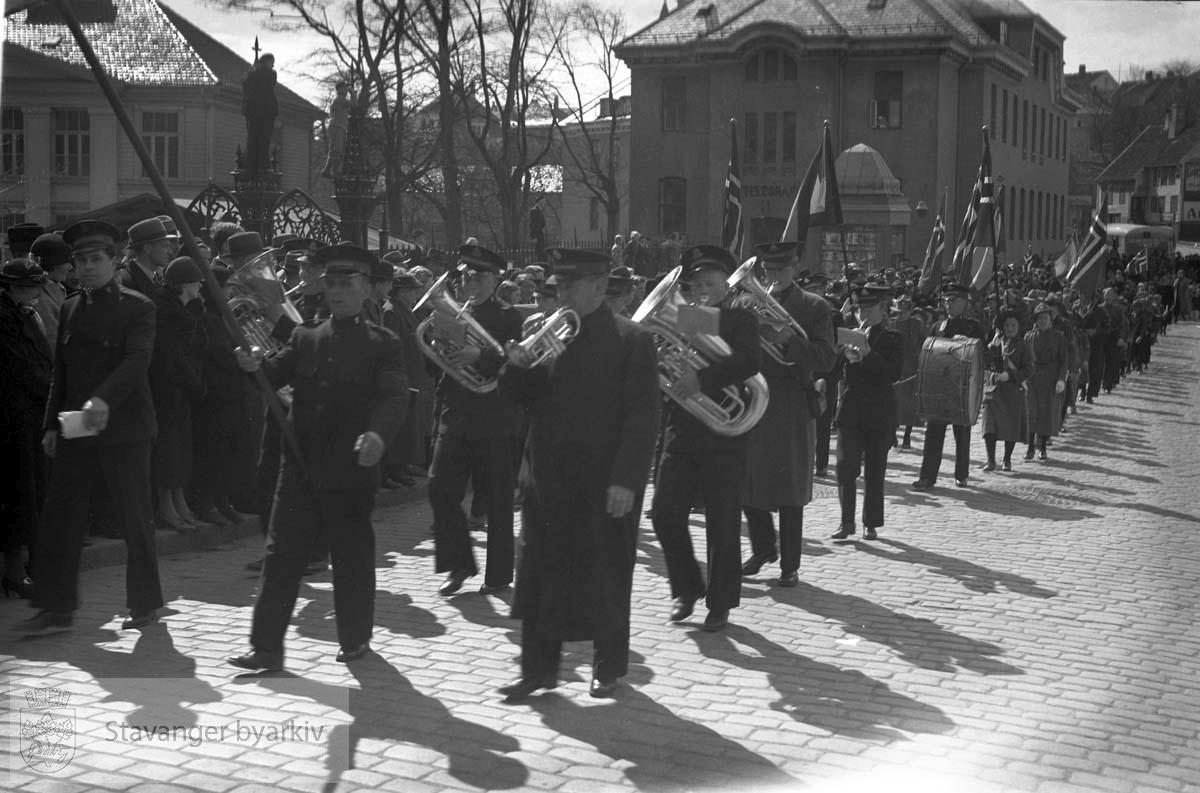 Søndagsskolens dag. Musikkorps og speidere (17. mai?)