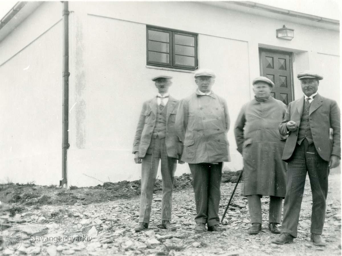 Birger Pedersen nr. 2 fra høyre..Uvisst i hvilken anledning bildet er tatt.