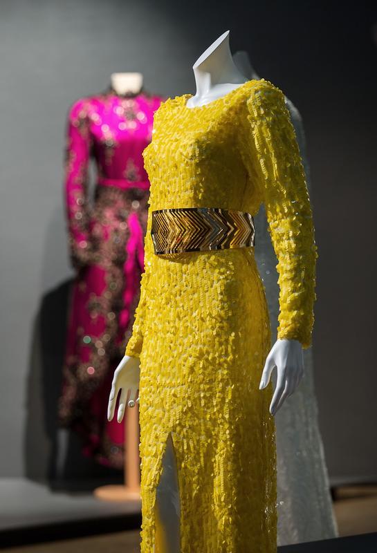 """Tina Steffenakk Hermansen (TSH), """"Mona Dress"""" (2018). NB: ikke museets eie"""