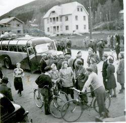Frigjøringsdagen 1945 Heimefrontsoldater som er kommet med b