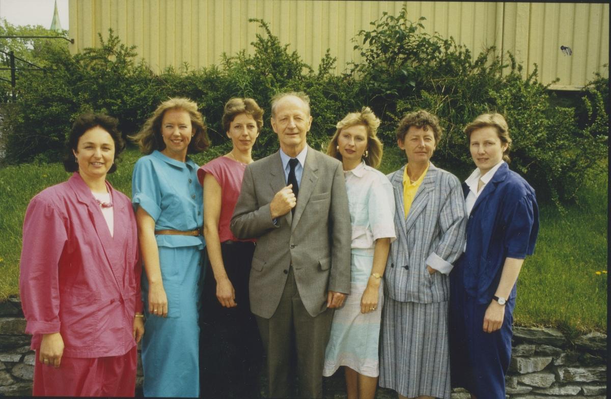 Politimesteren og kvinnene på politikammeret.