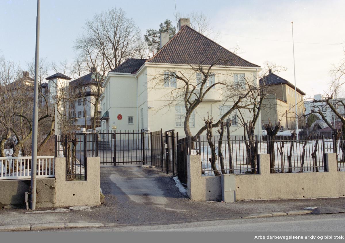 Oslo: Halvdan Svartes gate. Tyrkiske Ambassade. 19. mars 1995