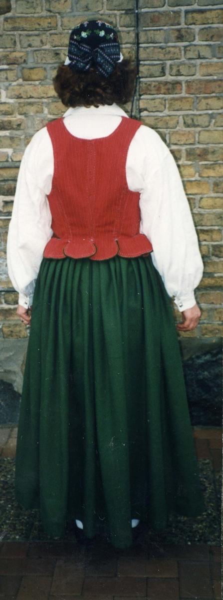 Folkdräkt från Veddige i Halland