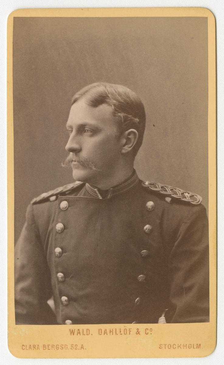 Porträtt av Richard Primus Peterson, underlöjtnant vid Jönköpings regemente I 12.