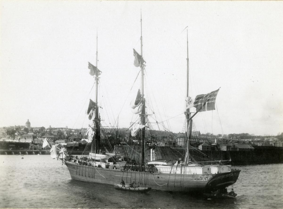 Bark 'Fraternitas' (b.1871, Gjømle værft (Nils Ribe), Fjære, Grimstad, Norge)