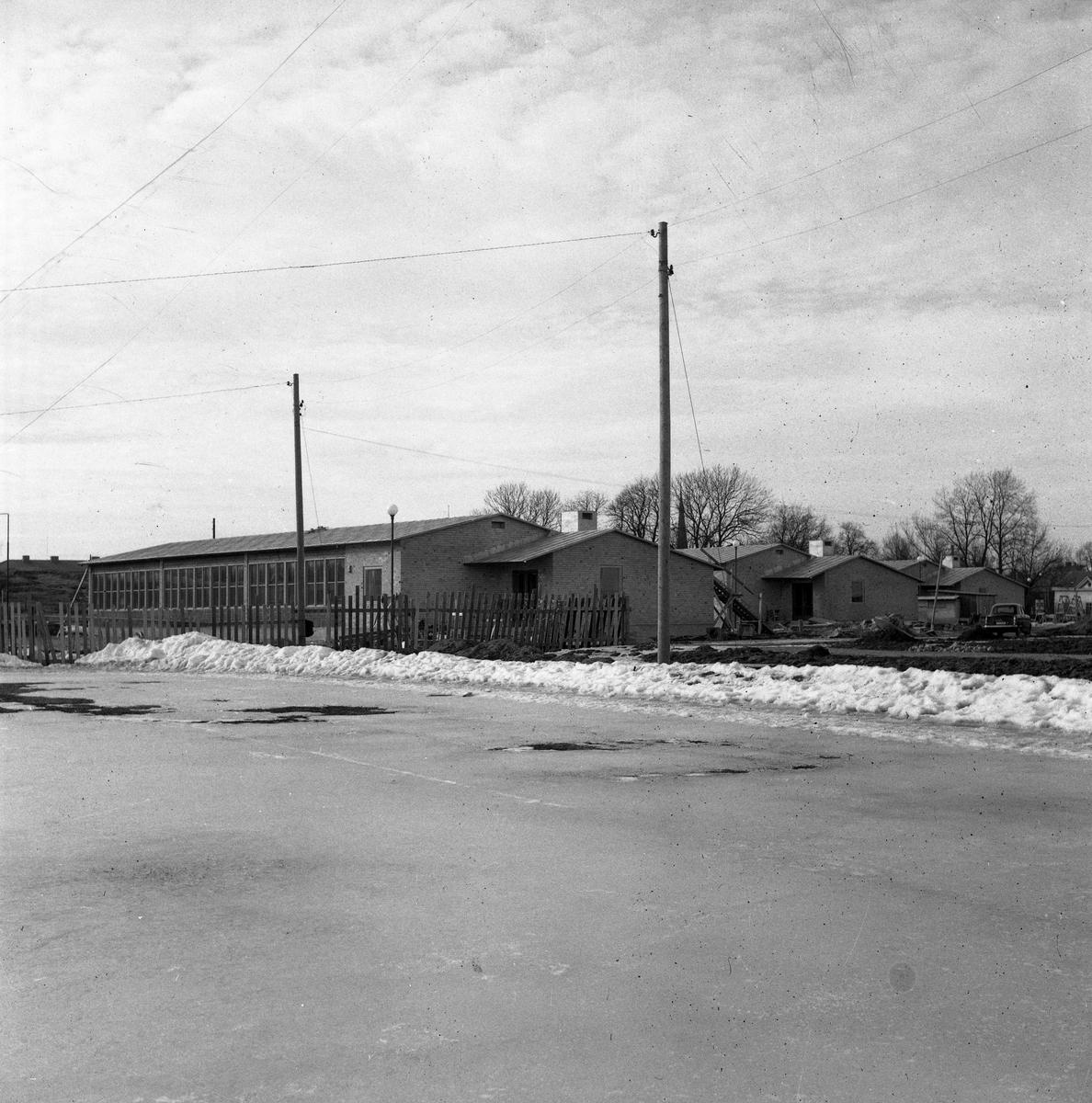 Byggnader som hör till Gäddgårdsskolan. Skolan börjar bli färdig för att tas i bruk.