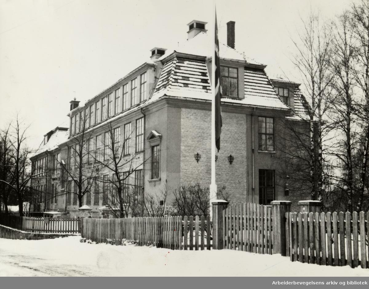 Høybråten skole. 30 års jubileum. Desember 1952