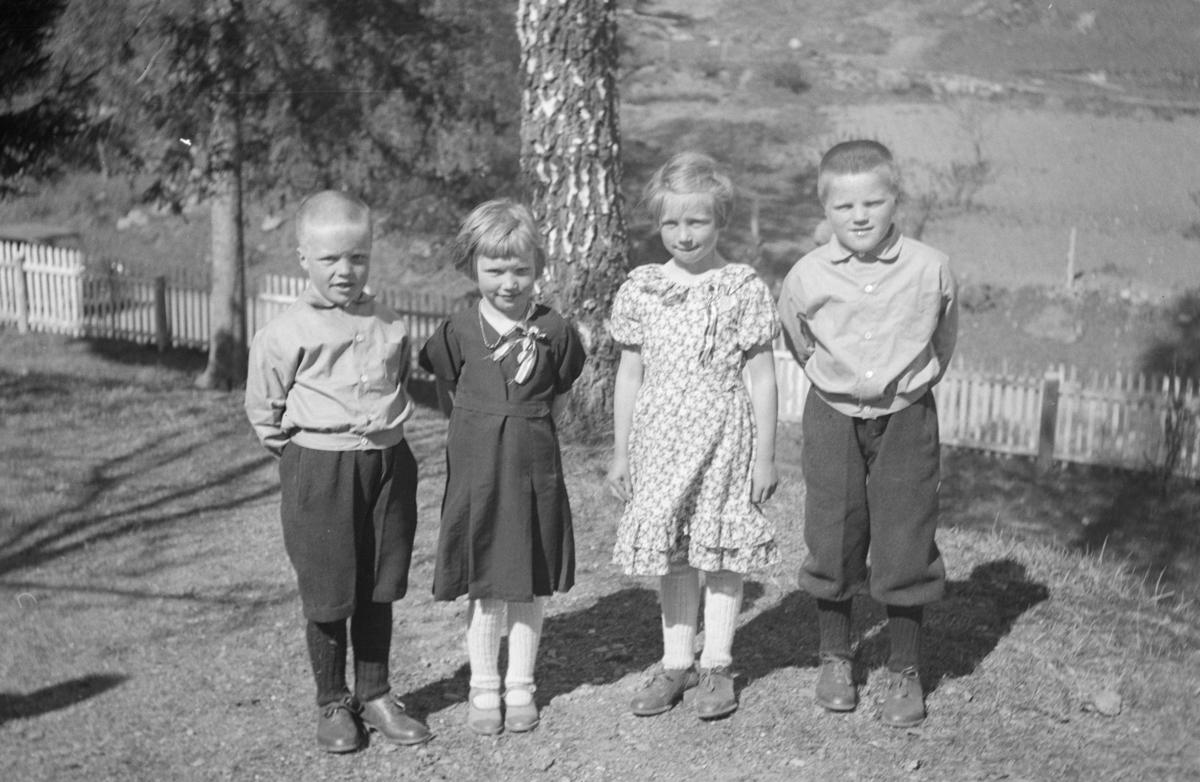 Fire barn, antakelig på Kornhaug
