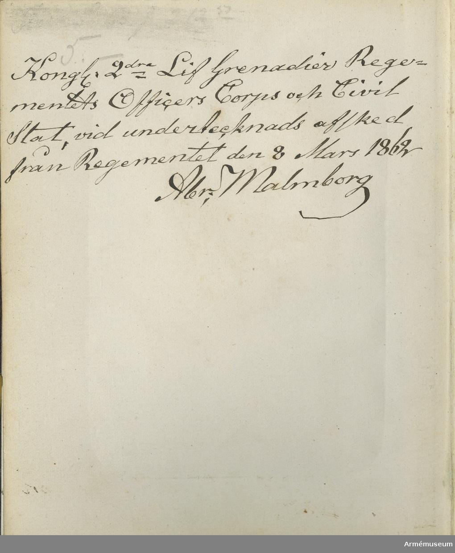 Fotoalbum innehållande porträtt av Andra livgrenadjärregementets I 5 officerskår och civilstat år 1862.