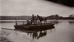 Carl Bernadotte af Wisbog och Sandström på väg över Spölands