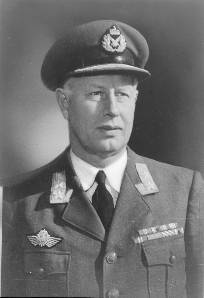 Generalløytnant Finn Lambrechts (kopi)