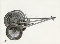 Transportkärra med maskinkabel. Tillverkad av Svenska Instru