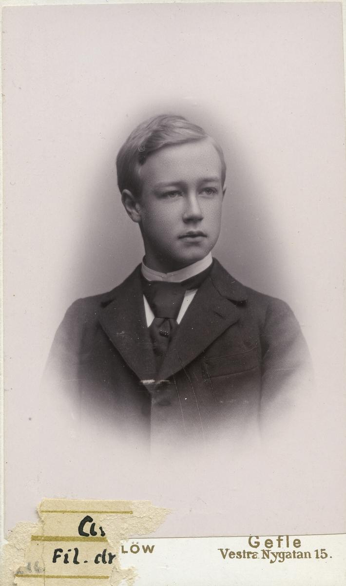Anders Grape. Fil. dr. Överbibliotikarie vid Uppsala universitetet.
