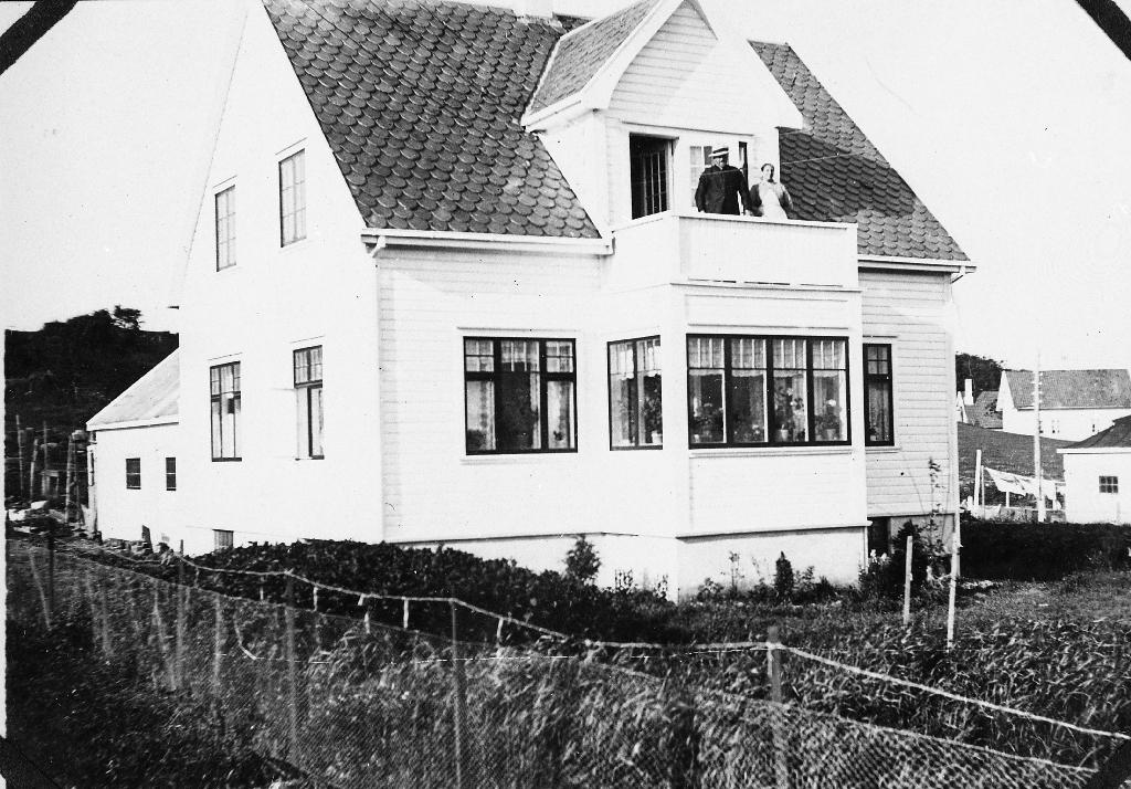 Huset til Sven Ødegård Løge på Brynehaugen i 1921. Han var mellom anna auksjonarius.