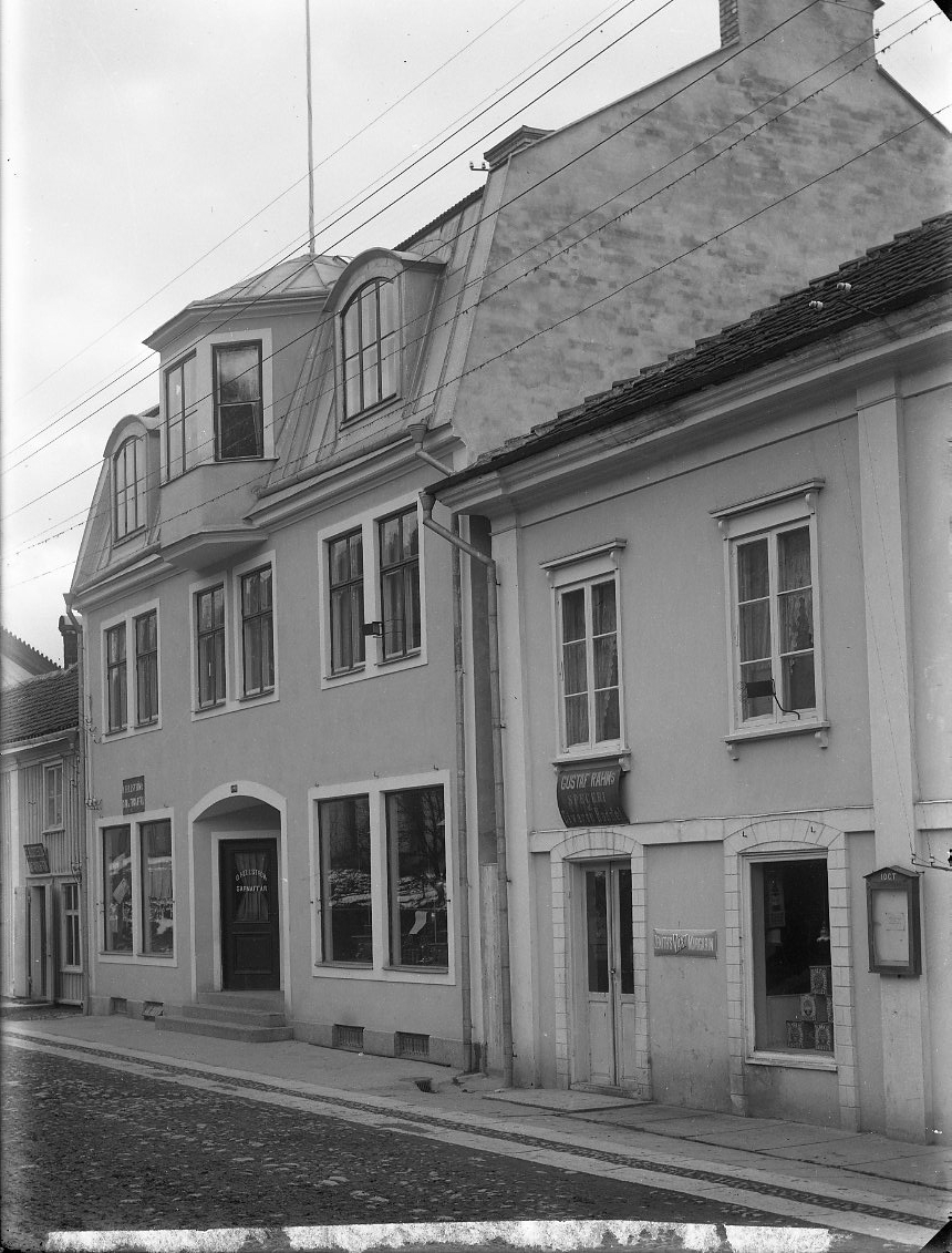 Brahegatan i Gränna med O Hellströms Garn & Trikåaffär samt Gustaf Rahms Speceri & Diversehandel.