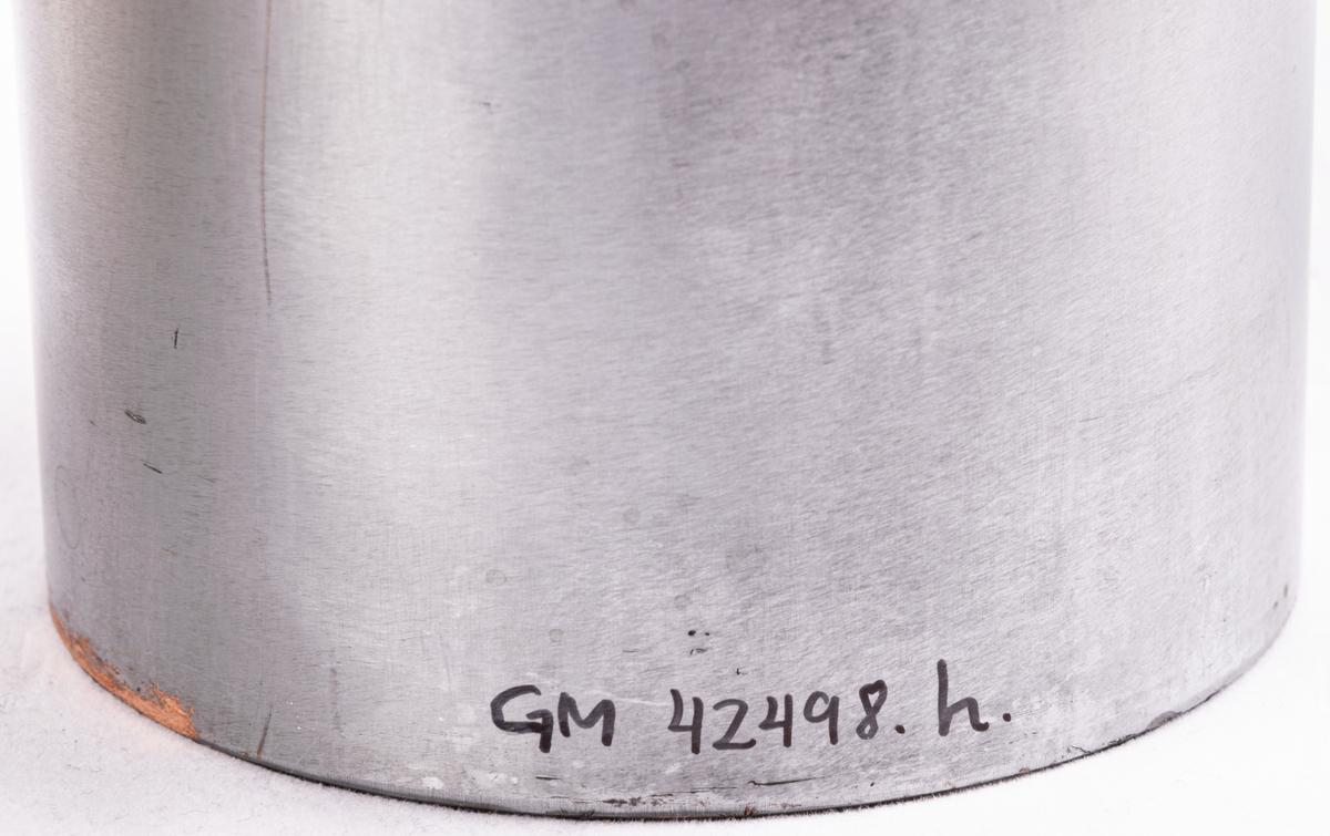 Tryckvals av koppar från Gefle porslinsfabrik. Dekor Vinranka. Lock till kaffekanna, lock till tekanna.